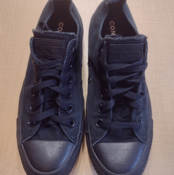 Converse All Stars Solid Black Low Top Sneakers Tennis Shoes Unisex